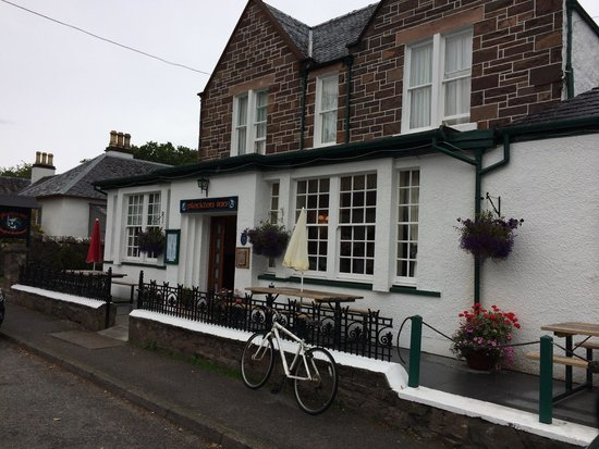 Plockton Inn: Front of the hotel