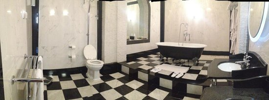 Grand Royale London Hyde Park: Bathroom