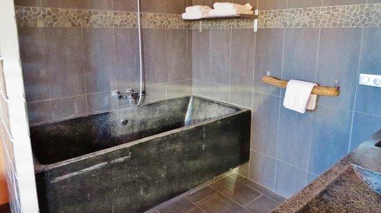 Hotel Disini : Baignoire XXL