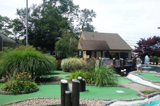 Island Cove Miniature Golf