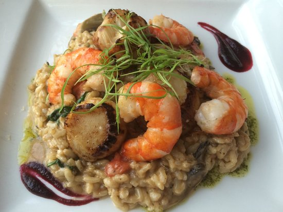 Cafe Fish: Scallop and king prawn risotto. Excellent!