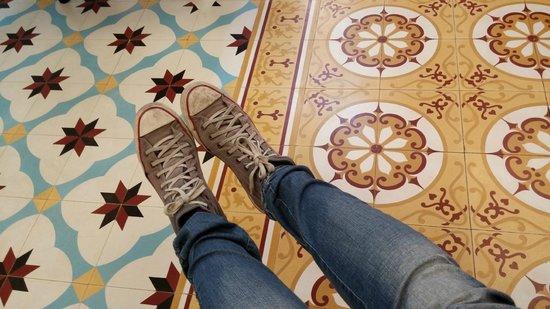ottopera Hotel: azulejos hidráulicos no hall do hotel