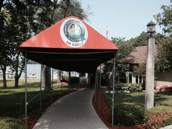 Nauti-Knots Bar and Grille: Welcome to Nauti-Knots on Bluff Lake