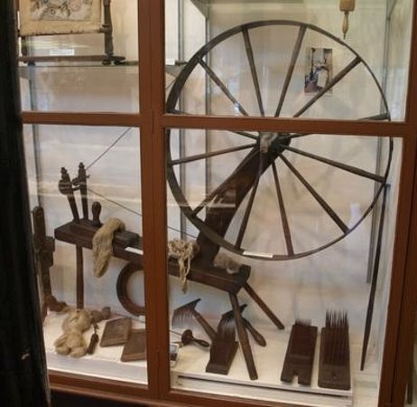 The Stewartry Museum: Part of a small display of spinning wheels