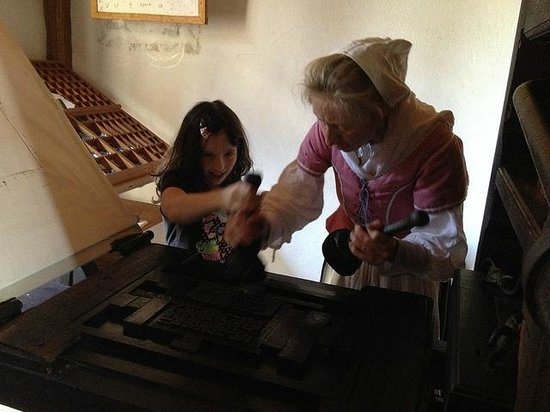 Historic St. Mary's City: learning how the printing press works