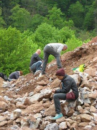 Wolfach, Allemagne : Betrachten der Fundstücke