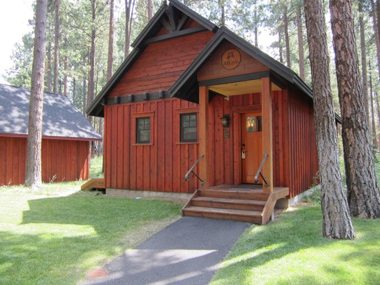 Five Pine Lodge & Spa: Cabin #9