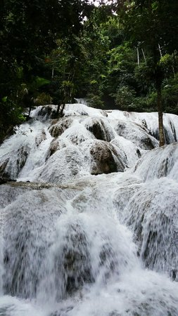 Saluopa Waterfall: Amazing.....