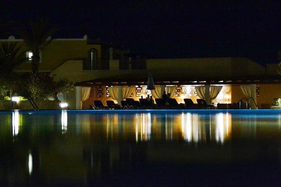IBEROSTAR Club Boa Vista: Piscinas. Cenário noturno