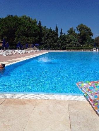 piscina enorme foto di villaggio volvito cir marina