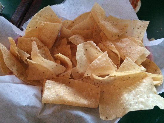 El Tio Tex-Mex Grill: Fresh chips made in house. Crisp and served with fresh salsa.