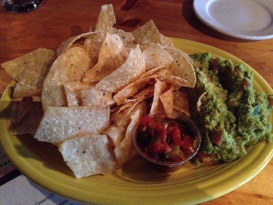 Margarita Grill: Small guacamole