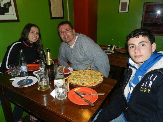 Justina: Melhor pizza de Cusco