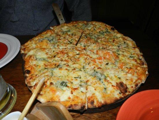 Justina: Pizza de 4 queijos
