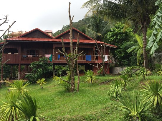 Spring Valley Resort : Khmer House (2 rooms)