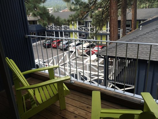 Basecamp South Lake Tahoe: balcony
