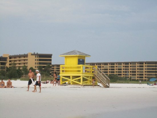 Siesta Beach: lifeguard shack