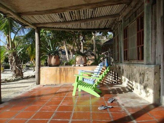 Zamas: Front of cabana