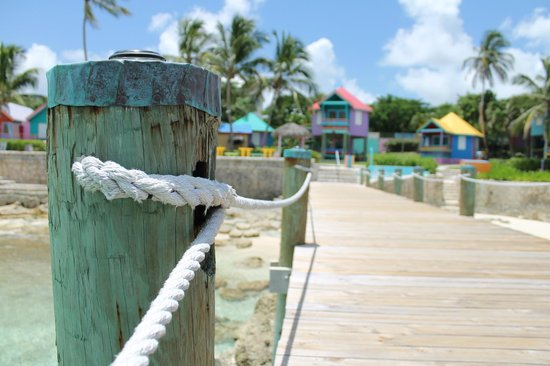 Compass Point Beach Resort: Pier