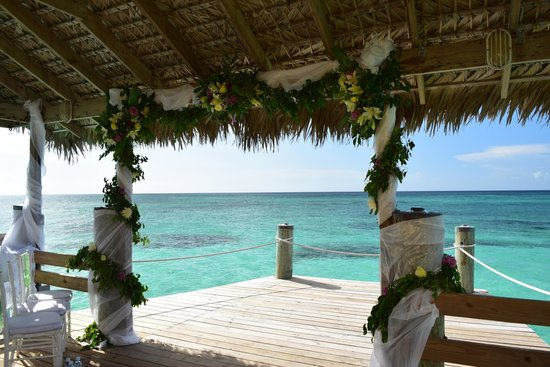 "Compass Point Beach Resort: Wedding ""Arch"""