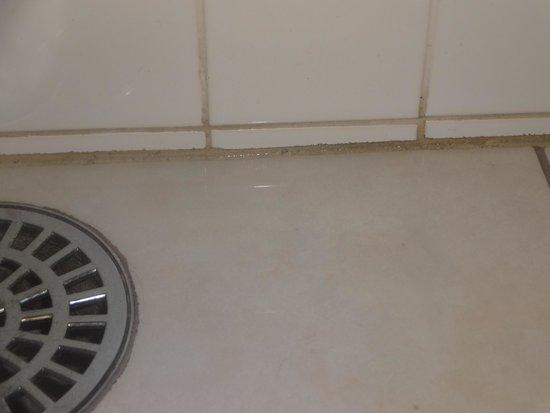 Hotel Bello Mare Comfort: vazamento no banheiro