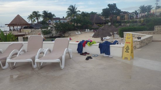 Grand Park Royal Cozumel: Beach view