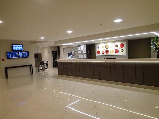 Sudima Auckland Airport Hotel: フロント
