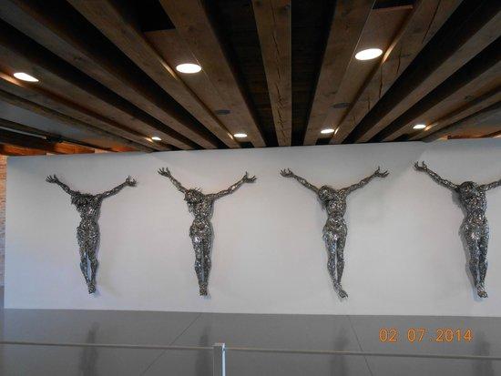 Punta della Dogana: Art exhibit