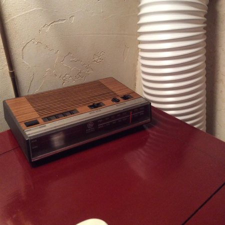 The Timberline Condominiums: Loft bedroom - side table (ancient) clock radio that does not work