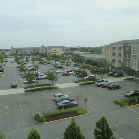Hyatt Place Chesapeake/Greenbrier: Mall - Viewed From Our Room