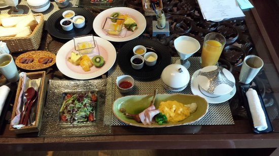 Hakone Ginyu: Western breakfast