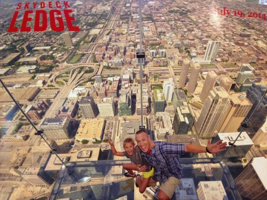 Skydeck Chicago - Willis Tower: On the Sky Ledge