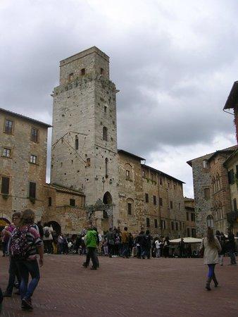 San Gimignano 1300: Piazza