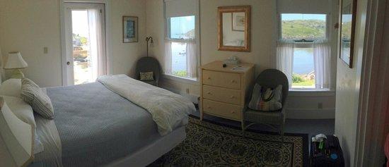 The Island Inn: Room 33