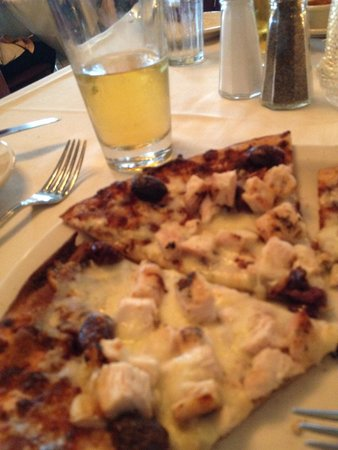 Brant Rock, MA: The Greek grill pizza with a nice Angry Orchard cider = happiness.