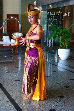 The Westin Resort Nusa Dua: Balinese dancer at entrance