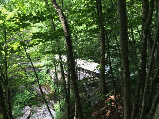 Flume Gorge: Second covered bridge