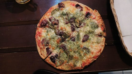 Pizzeria-Cafe Dinos: Muy buena!
