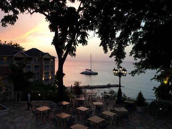 Sandals Royal Plantation: view at dinner in French restaurant
