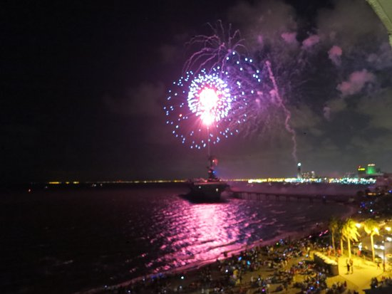 Radisson Hotel Corpus Christi Beach: Fireworks over USS Lexington and CCTX