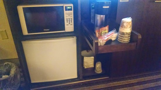 Best Western Premier The Central Hotel & Conference Center: Microwave/fridge/coffee maker