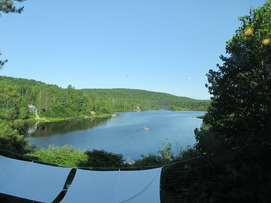 Auberge Saint-Mathieu du Lac : View from dining room