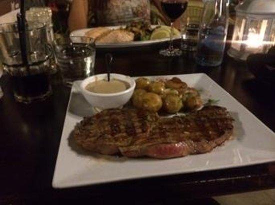 El Patio: huge steak