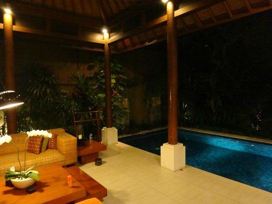Lakshmi Villas: Large pool off living area