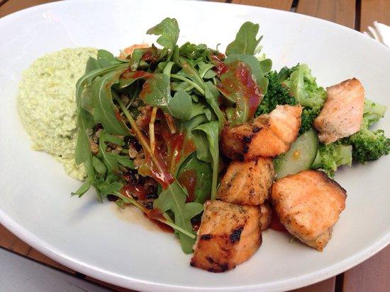 LYFE Kitchen, Palo Alto: Quinoa salad & side of salmon