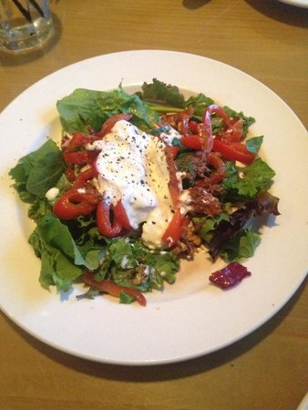 The Cottage La Jolla: Warm Goat Cheese Salad with Pecans and Red Peppers