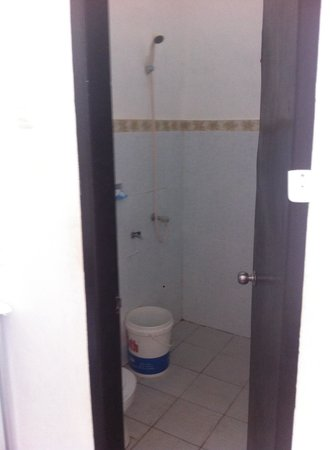 Pondok Wayan : Salle de bain SANS lavabo
