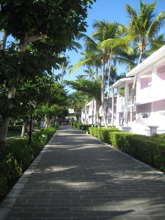 ClubHotel Riu Bambu: Walking the grounds