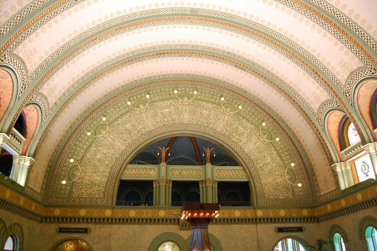 St. Louis Union Station Hotel, Curio Collection by Hilton: Hall upon entry