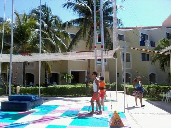 Viva Wyndham Maya: trampolin